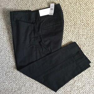 NWT Ann Taylor LOFT Black Julie Cropped Size 8